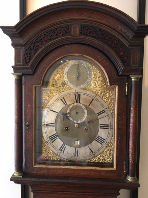 Engelse staande klok met Chinoiserie ca. 1725